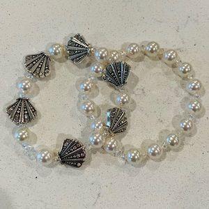 Jewelry - 🎉5 for $25🎉 Seashell Pearl Bracelet Set